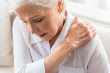 Shoulder pain causes and treatment, The House Clinics, Bristol